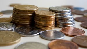 Parte da população ainda guarda moedas em casa, diz Banco Central