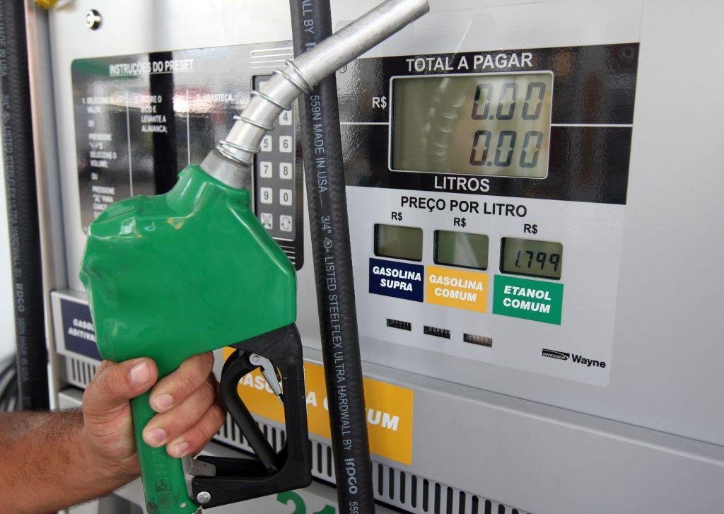 Resultado de imagem para Entenda como é a composição do preço do óleo diesel