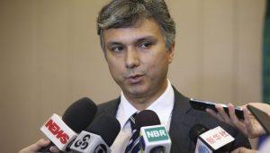 Ministro diz que há pouco espaço para diminuir tributação em cima dos preços do combustível