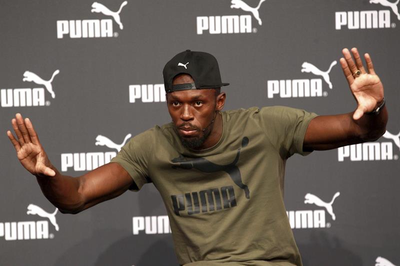 Usain Bolt assina com clube de futebol