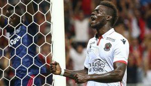 Balotelli posta mensagem em português e agradece à torcida do Flamengo: 'Boa sorte a vocês'