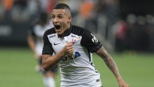 Corinthians consegue acordo para ter Guilherme Arana de volta