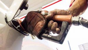 """ANP permite venda de """"diesel 100%"""" no Rio para não faltar combustível"""