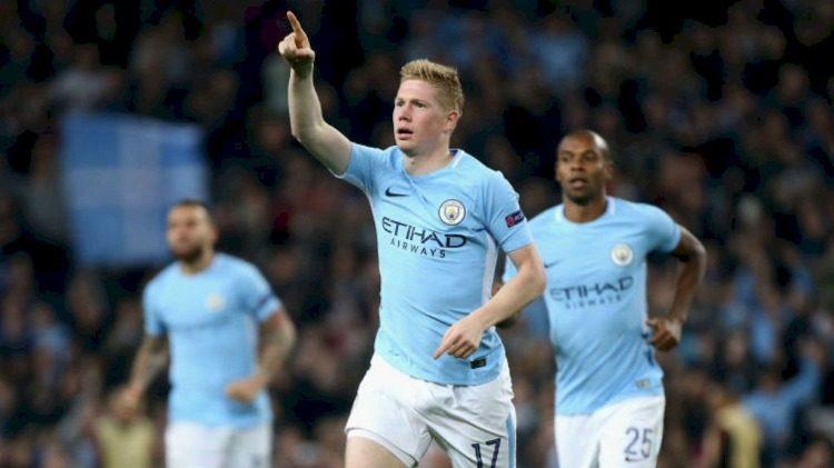 Kevin de Bruyne celebra o gol marcado na vitória Manchester City 2 a 0 Shakhtar Donetsk