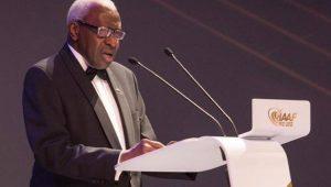 Ex-presidente da Federação Internacional de Atletismo e o filho serão julgados em tribunal da França