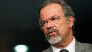 """Mandados coletivos não serão """"carta branca"""" para Forças Armadas, diz Jungmann"""