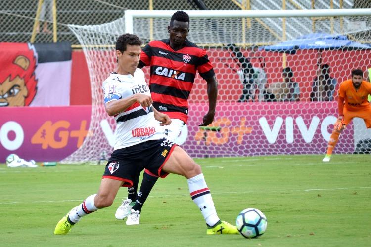 Hernanes ajudou o São Paulo a voltar a vencer no Brasileirão. Em jogo de  rivais diretos na corrida para deixar a zona de rebaixamento ... 629d1e0c37ea7