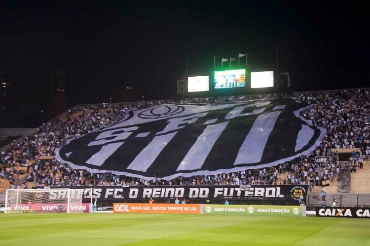 Confrontos entre adeptos do Santos e Corinthians fazem um morto