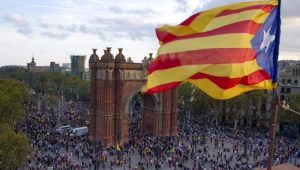 Chanceler diz que pode levar 20 anos para resolver divisão na Catalunha