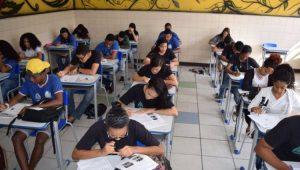Analfabetismo cai no Brasil, mas 11,5 milhões ainda não sabem ler ou escrever