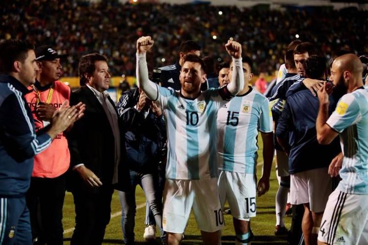 4e5f4444dc José Jácome   EFE Messi marcou os três gols que colocaram a Argentina na  Copa da Rússia