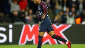 """Neymar não treina por """"síndrome viral"""", mas Emery espera ter astro no domingo"""