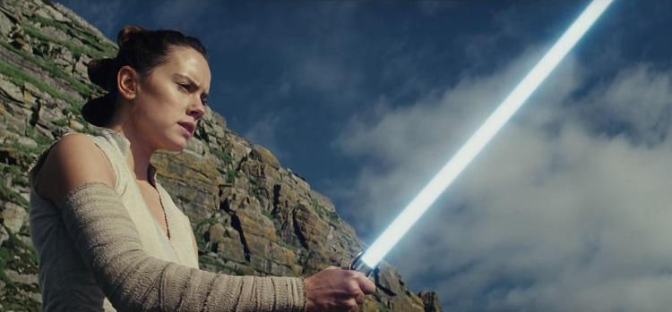 "Rey no trailer de ""Star Wars: Os Últimos Jedi"""