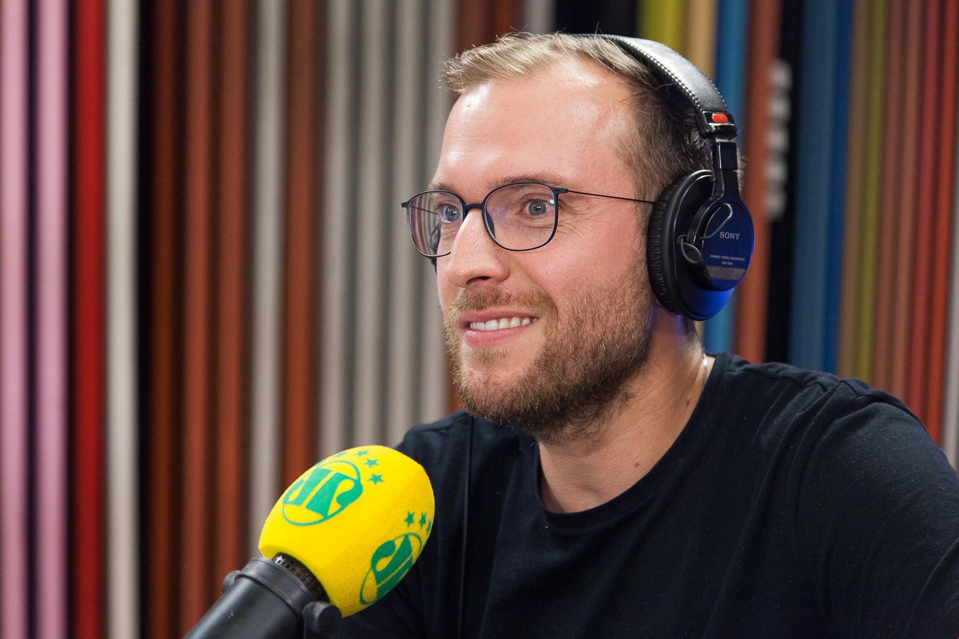 Vinicius Poit: 'No Brasil, quem ganha dinheiro parece que está fazendo coisa errada'