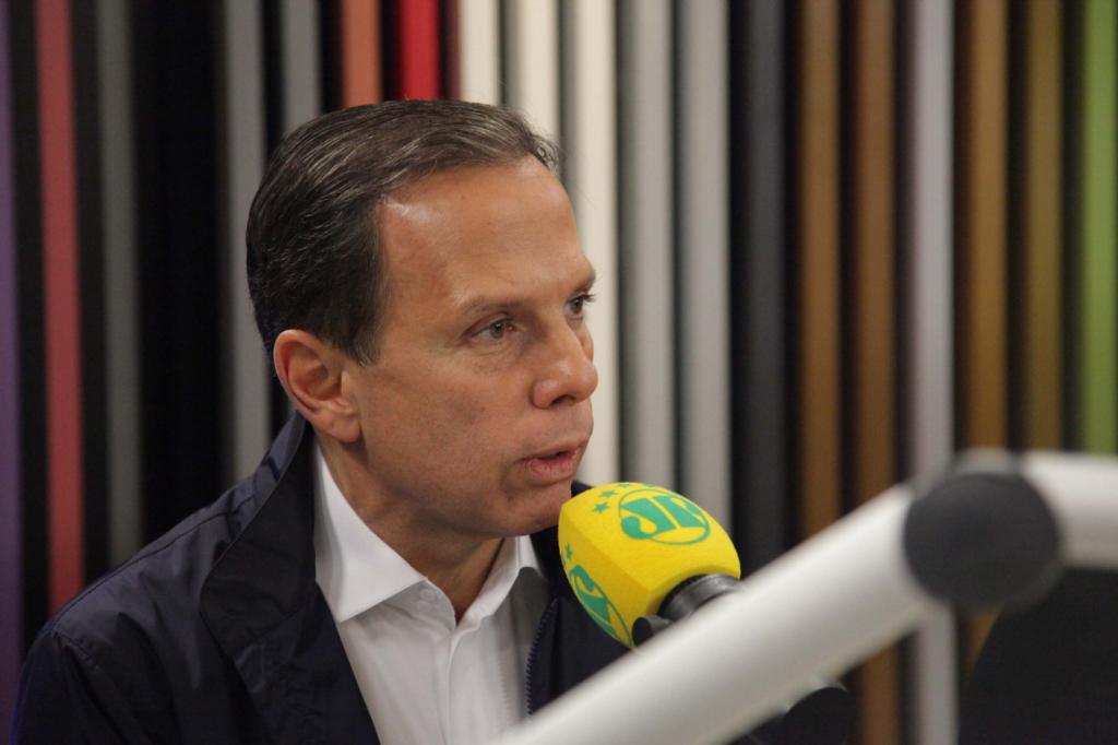 'Entre gente de bem e bandido, eu fico com as famílias', diz João Doria