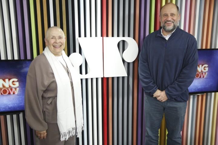 Monja Coen e filósofo Clóvis Barros falam sobre importância do diálogo apesar de divergências