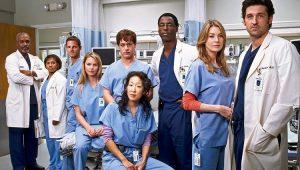 'Grey's Anatomy' vai se tornar a série médica com mais episódios nos EUA