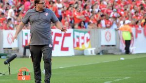 Futebol Internacional Guto Ferreira