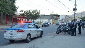 Dois corpos são encontrados em carro na zona norte do Rio