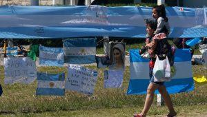 Submarino argentino sofreu implosão, diz Marinha