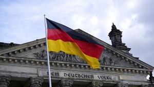 Ataque com faca em ônibus deixa 12 pessoas em estado grave na Alemanha