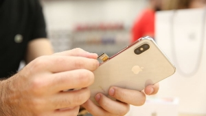 Megainvestidor da Apple, Warren Buffet admite que não usa iPhone