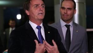 "The Guardian compara Bolsonaro a presidente dos EUA: ""Trump dos trópicos"""