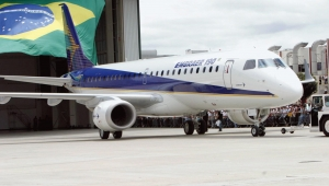 Embraer pagará US$ 1,6 bi a acionistas após concluir transação com Boeing