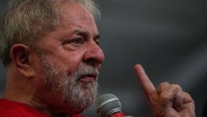 """Lula diz que não tem medo de ser preso e reage a """"ódio"""" de manifestantes no RS"""
