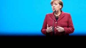 Merkel diz que vai lutar até o 'último minuto' por um Brexit organizado