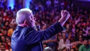 Ex-presidente Lula participa de ato com artistas e intelectuais em São Paulo