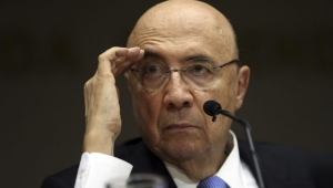 """""""Vamos agarrar o homem"""", diz Meirelles, em busca do apoio de chefe do PR"""