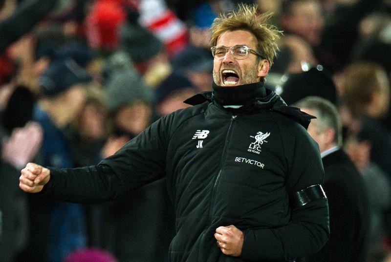 Com Jesus apagado, City leva 'passeio' do Liverpool na Champions