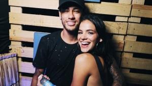 Neymar parou de ver novela de Marquezine por conta das cenas de beijo