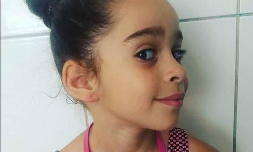 Menina de 7 anos morre após inalar desodorante