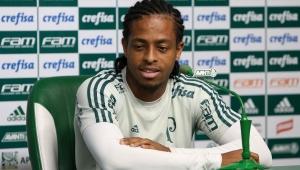 Staff de Keno revela interesse da China e vê volta ao Palmeiras 'inviável'