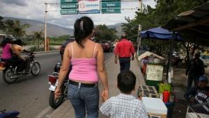 Ministro pede ajuda à OMS para obrigar venezuelanos a serem vacinados