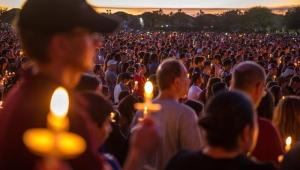 Jovens reivindicam maior controle de armas nos EUA após massacre na Flórida