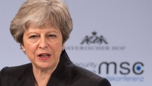 May aceita emendas a projeto alfandegário do Brexit propostas por radicais