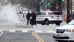 Veículo se choca contra barreira de proteção da Casa Branca