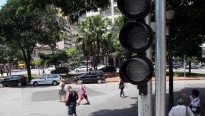 Concessão prevê aumento de até 20% dos semáforos em SP