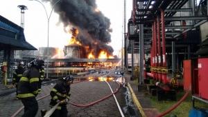 MPF denuncia empresa por poluição causada após incêndio em Santos, em 2015
