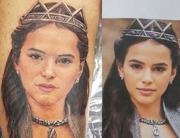 Tatuagem de fã foi melhor notícia para Bruna Marquezine em novela