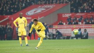 Neymar mereceu nota 4 contra o Real ? Veja debate!
