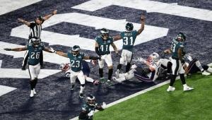 Trump pede à NFL que suspenda jogadores que protestarem durante hino