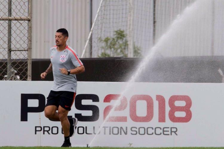 Corinthians anuncia a contratação de Sidcley