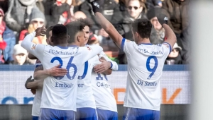 Schalke bate o Leverkusen fora de casa e sobe para a terceira posição no Alemão