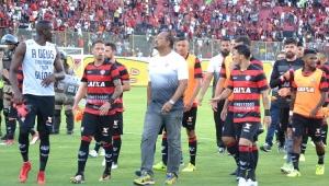 Presidente do Vitória critica Vinícius, mas promete punir atletas por agressões