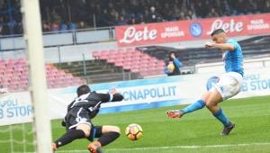 Com gol do brasileiro Allan, Napoli vence SPAL e retoma liderança do Italiano