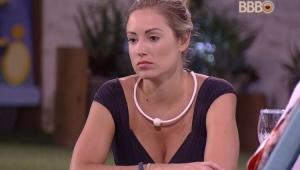 """Jéssica se irrita com Lucas após choro: """"tem uma porta lá, tchau"""""""